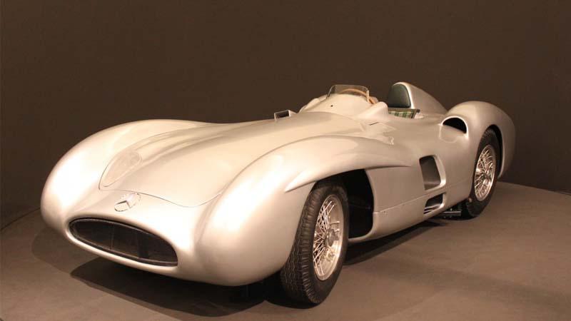 Jaguar resucita su D-Type de competición