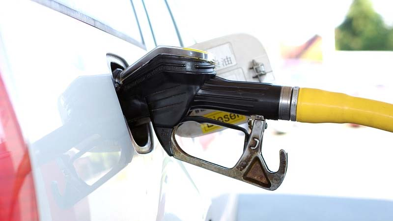 Tips para ahorrar gasolina en verano