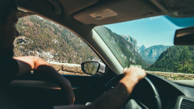 Listado de las mejores canciones para conducir por carretera