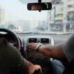 Cómo ahorrar al utilizar el aire acondicionado en tu coche